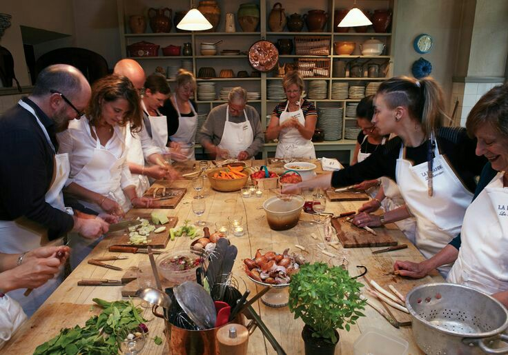 Cooking class in the proces